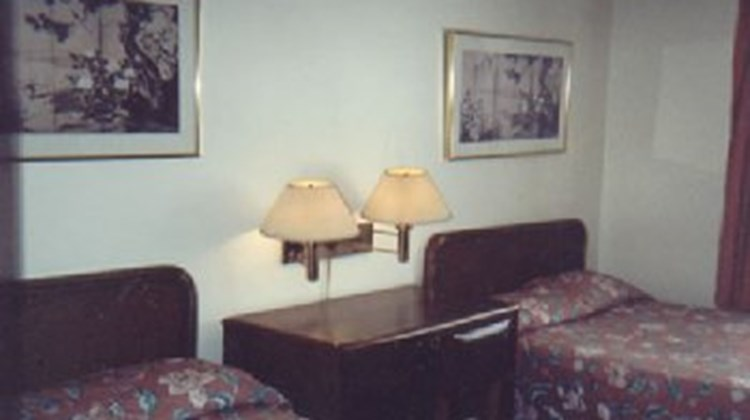 Scottish Inn Room