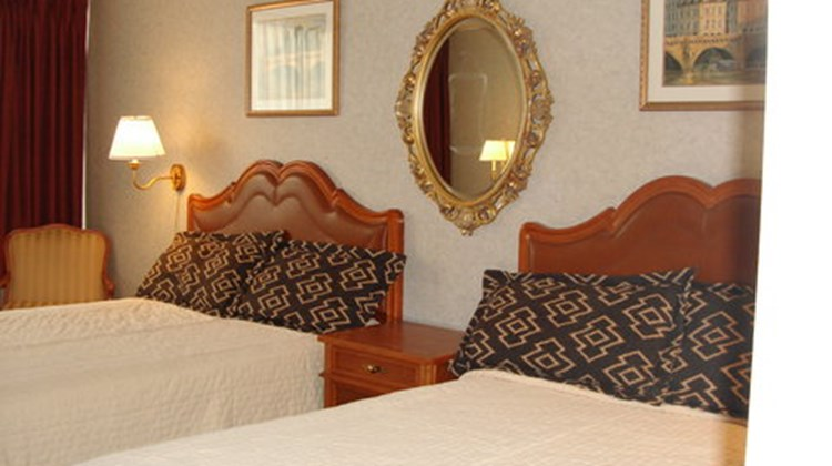 A Victory Inn & Suites - Muskegon Room