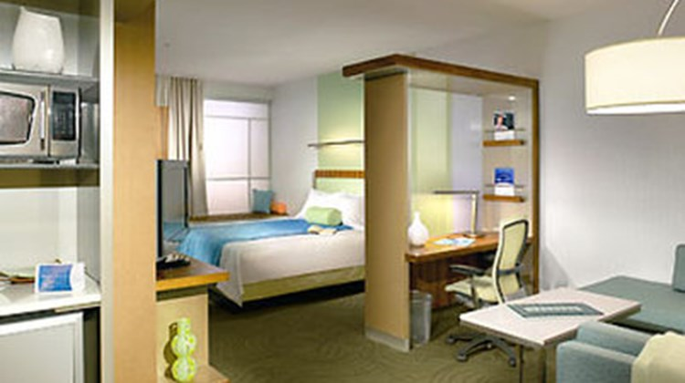 SpringHill Suites by Marriott Detroit Room