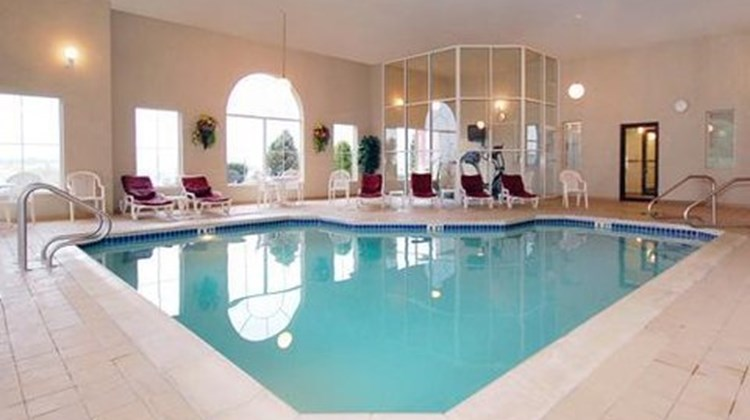 Holiday Inn Express St Marys Pool