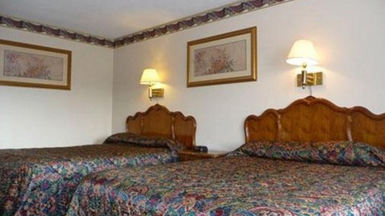 New Haven Inn Room