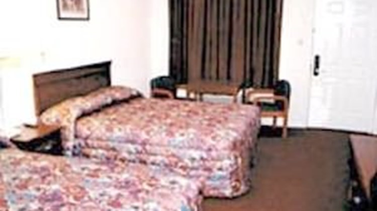 Budget Host Hempstead Inn Room