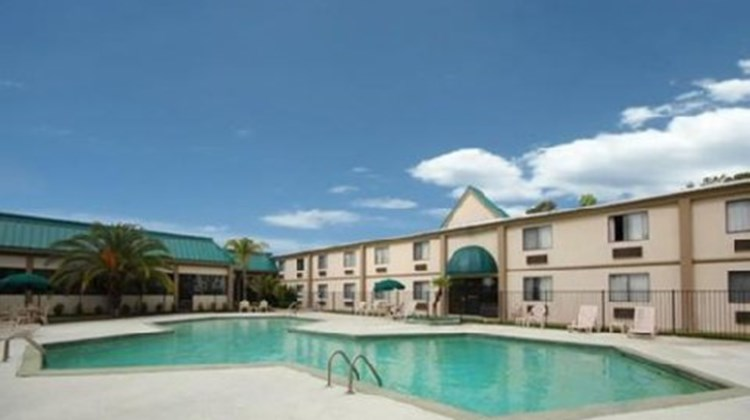 Orange Inn & Suites Pool