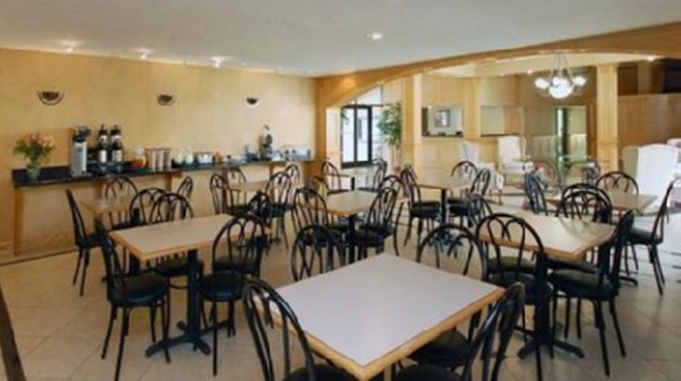 Orange Inn & Suites Restaurant