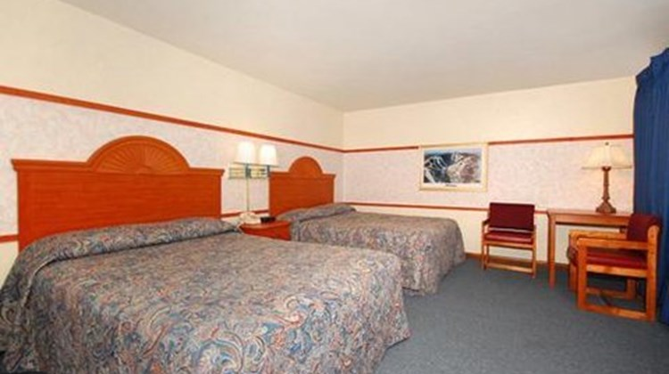 Budget Host Killington Room