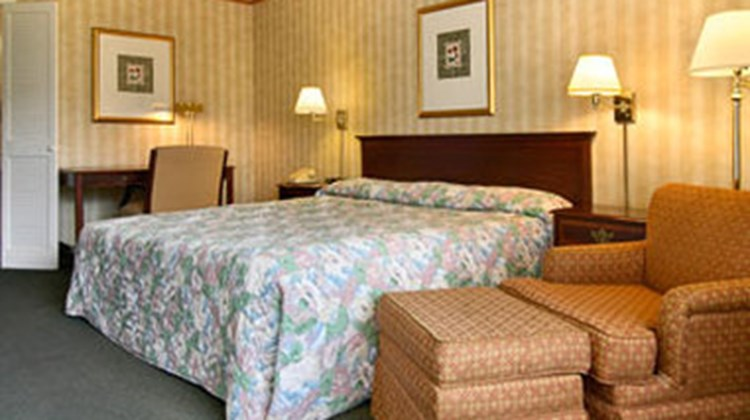 Cavalier's Resort & Conference Ctr Room