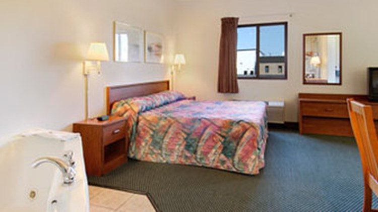 Centerstone Inn & Suites Room