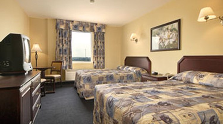 Hotel Vaudreuil Room
