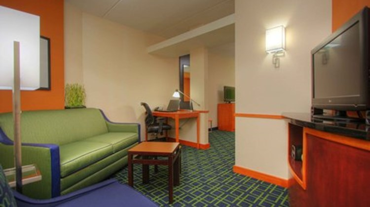 Fairfield Inn & Suites Augusta Suite