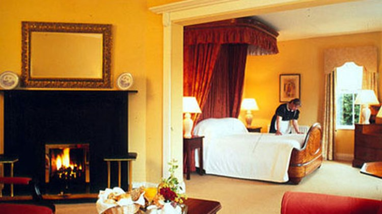 Dunraven Arms Hotel Room