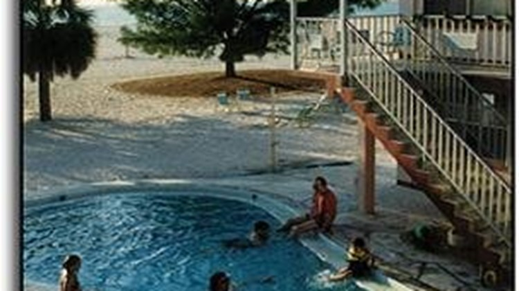 Molloy Gulf Motel Pool