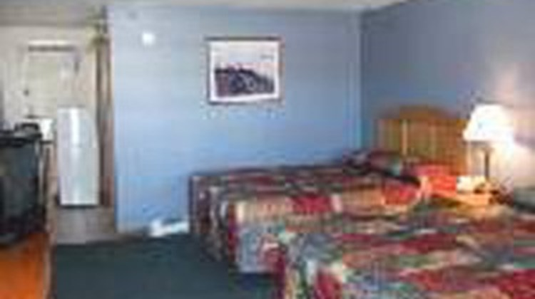 Mariner Resort Motel Room