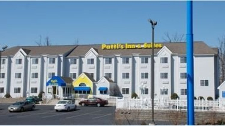Patti's Inn & Suites of Grand Rivers Exterior
