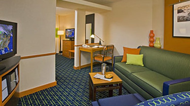 Fairfield Inn and Suites Channelview Suite
