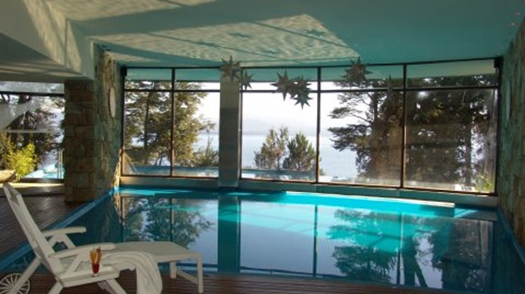 Design Suites Hotel, Bariloche Pool