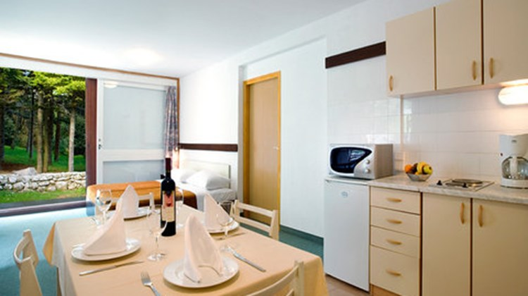 Girandella Village Room