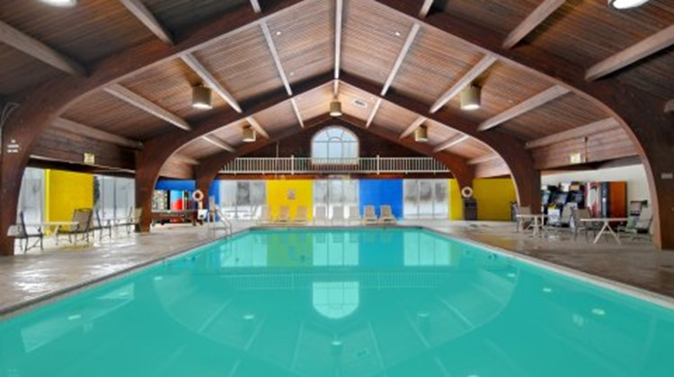 Brainerd Hotel & Conference Center Pool