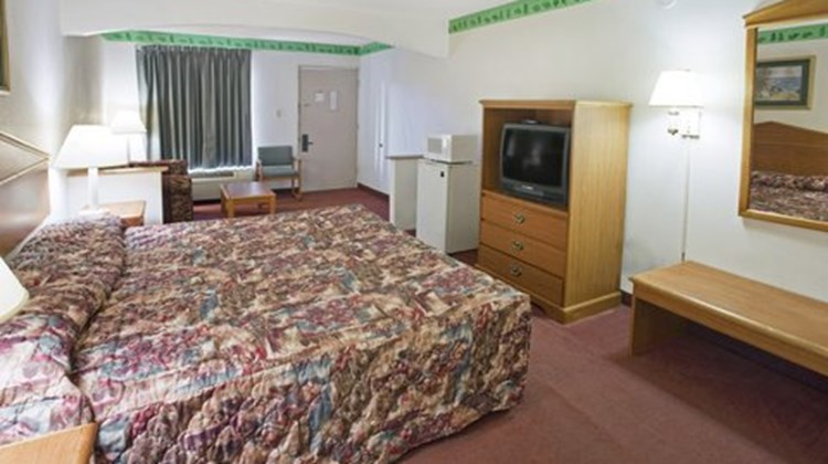 Americas Best Value Inn Suite