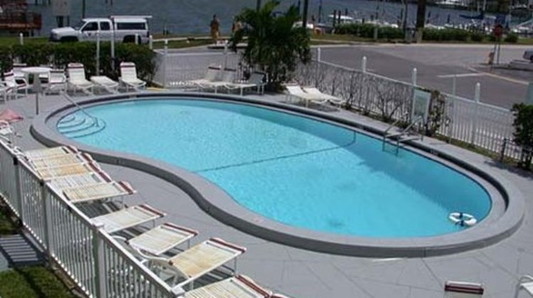 Sunrise Resort Motel Pool