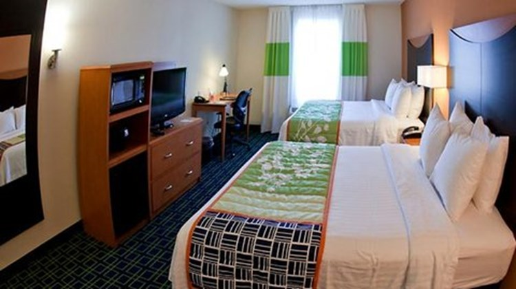 Fairfield Inn & Suites Birmingham Pelham Room