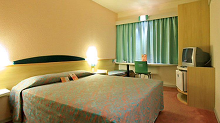 Ibis Joinville Room
