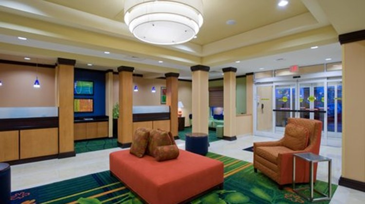 Fairfield Inn & Suites Albany Lobby