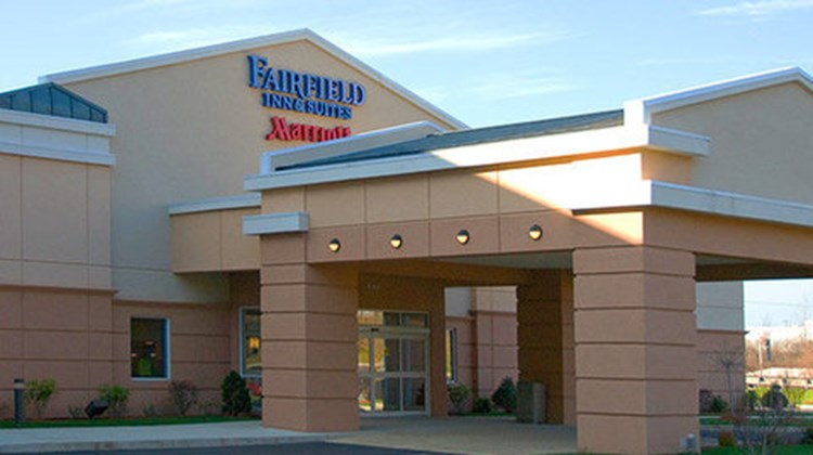 Fairfield Inn & Suites Plainville Exterior