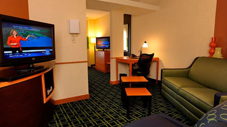 Fairfield Inn & Suites Kennett Square Room
