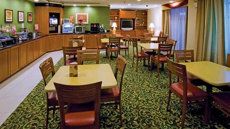Fairfield Inn & Suites Napa Valley Restaurant