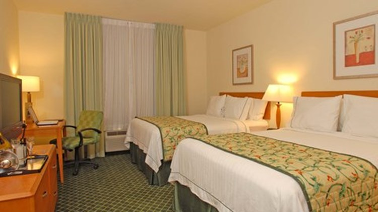 Fairfield Inn Riverside Temecula Room