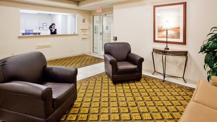 Candlewood Suites Robins AFB Lobby