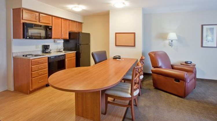Candlewood Suites Robins AFB Suite