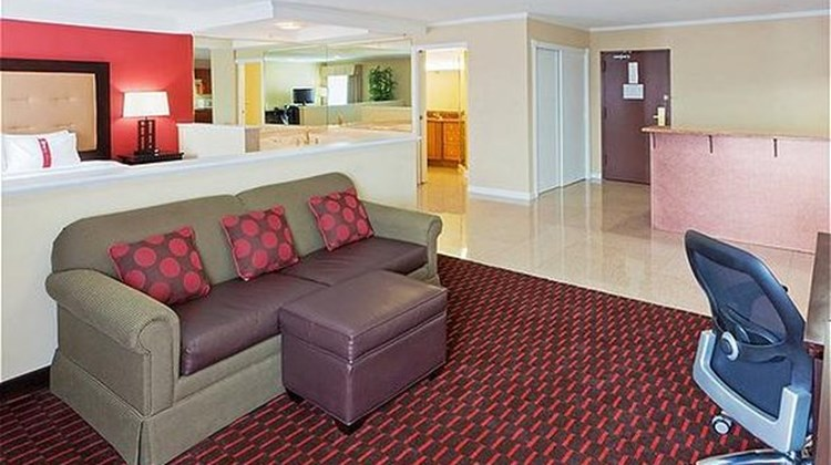 Holiday Inn Dover Suite