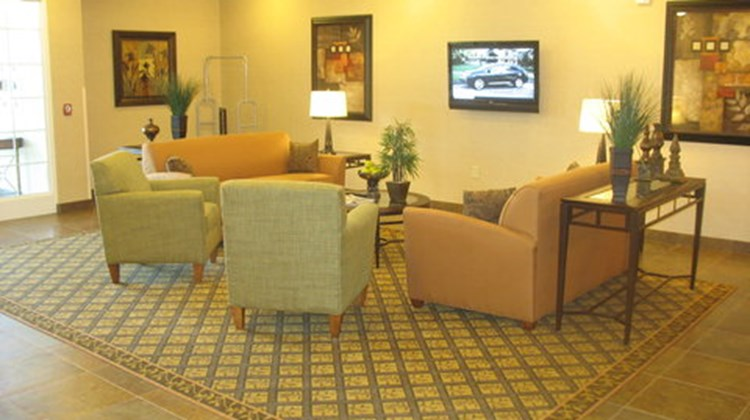 Candlewood Suites Indianapolis NW Lobby