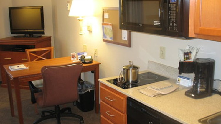 Candlewood Suites Indianapolis NW Suite