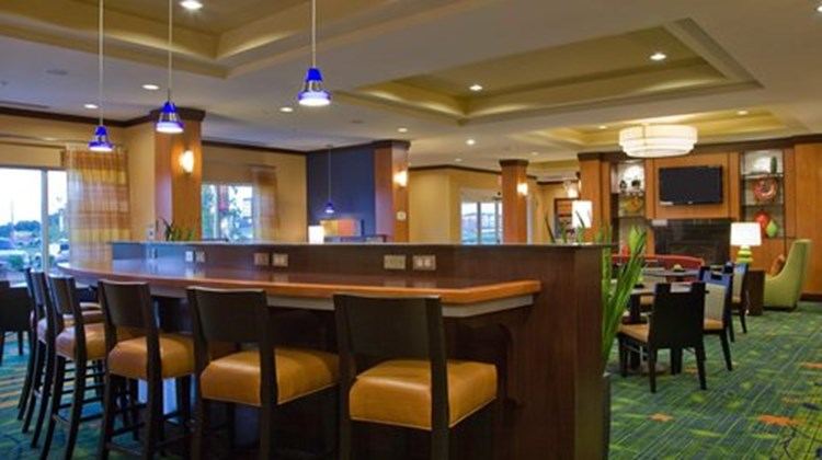 Fairfield Inn & Suites EastChase Restaurant