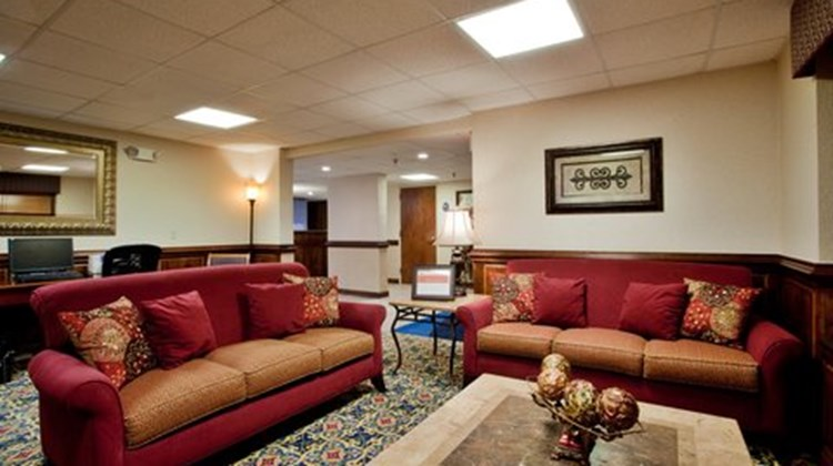 Mulberry Inn & Plaza at Fort Eustis Lobby