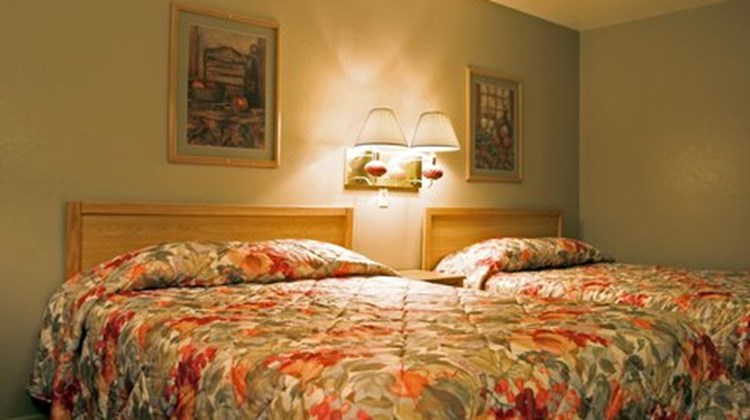 Knights Inn Colby Room