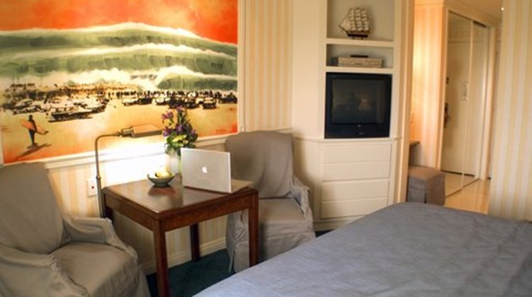 Bay Shores Peninsula Hotel Room