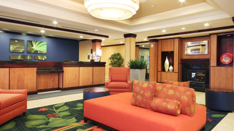 Fairfield Inn & Suites Mahwah Lobby
