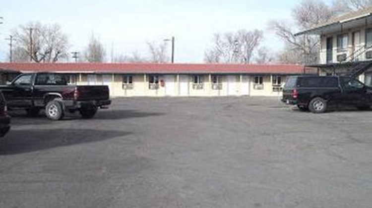 Valley Motel Exterior