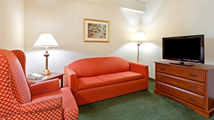 Country Inn & Sts By Carlson HarrisburgW Suite