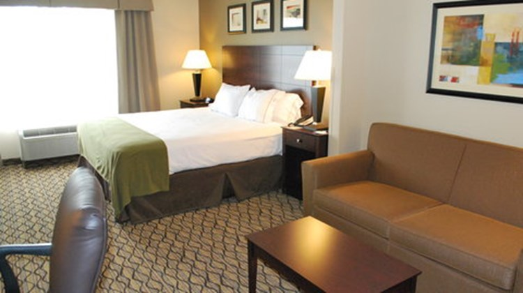 Holiday Inn Express West Bloomington Room