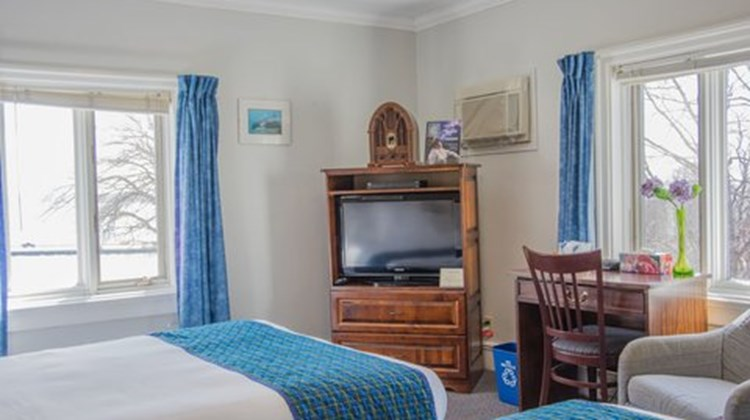 Braeside Country Inn Room