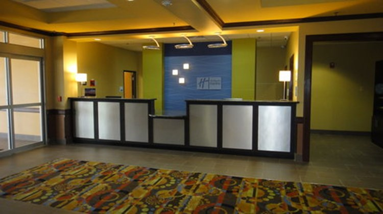 Holiday Inn Express & Stes George West Lobby