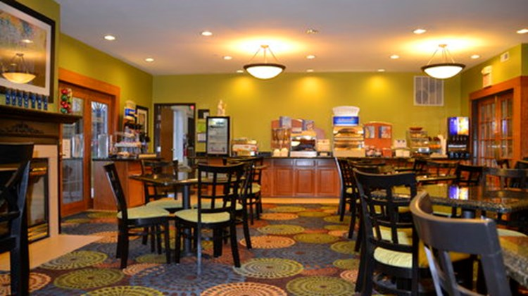 Holiday Inn Express & Suites Restaurant