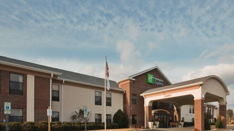 Holiday Inn Express Exterior