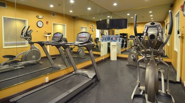 Holiday Inn Express & Airport North Health Club