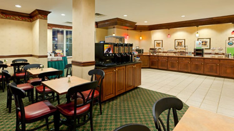 Country Inn & Suites Newark AP EWR Restaurant