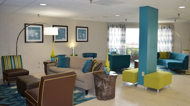 Fairfield Inn & Suites Hickory Lobby